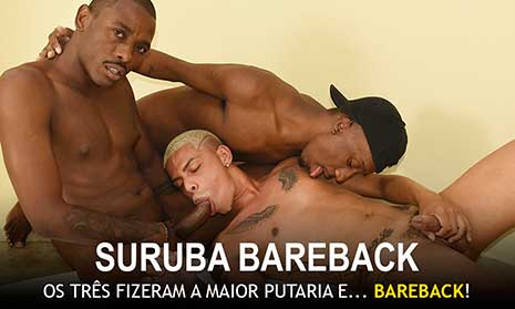 Flávio foi destaque em 2020, protagonizou várias cenas de sucesso e agora entra para o time de veteranos. Na cena de hoje ele faz uma suruba bareback com outros dois cariocas.